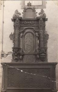 Altar noch mit Tabernakel und Sakarmentshäuschen